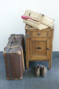 Kastje, koffer en schoenen